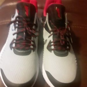 MEN AVIA SHOES SIZE 11